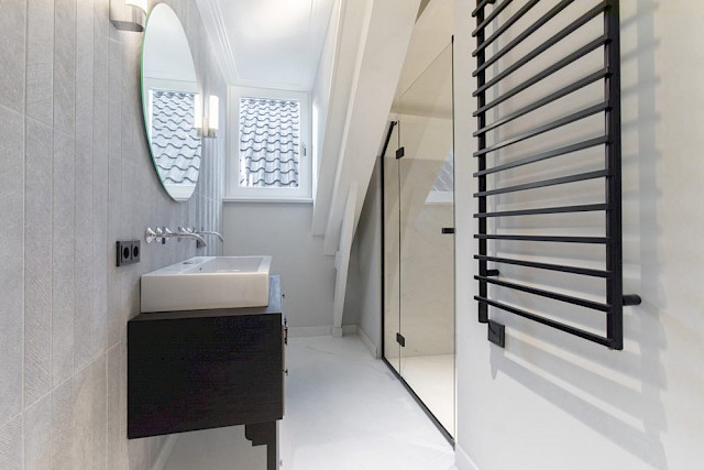 allard architecture • Sarphatistraat • Interior View - Bathroom